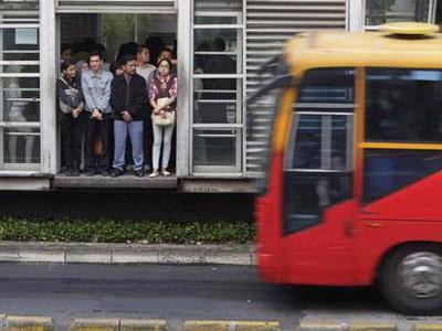 Tanggulangi Kepadatan, Jokowi akan Tambah 800 Armada Bus TransJakarta