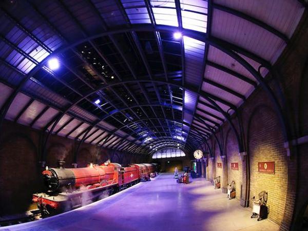 Yuk, Naik Kereta Hogwarts Express di London!