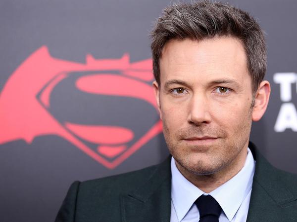 Sukses Hadapi Superman, Ben Affleck Duduki 3 Jabatan Sekaligus di Film Solo Batman!