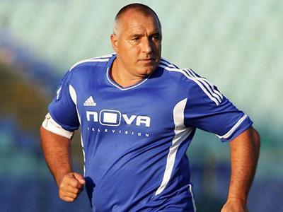 Wah, Mantan Perdana Menteri Jadi Pemain Tertua di Liga Bulgaria!