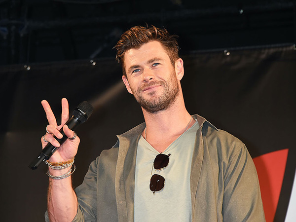 Chris Hemsworth Bintangi Film 'Spiderhead' Netflix