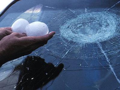 Wow,Hujan Es Sebesar Bola Ping Pong Guyur Jerman