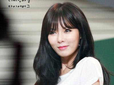 Sering Unggah Foto di Studio Musik, HyunA 4Minute Akan Comeback Solo?