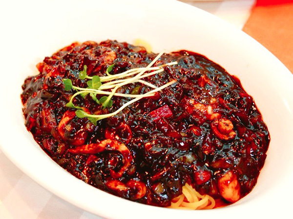 10jajangmyeon-fire-noodles.jpg