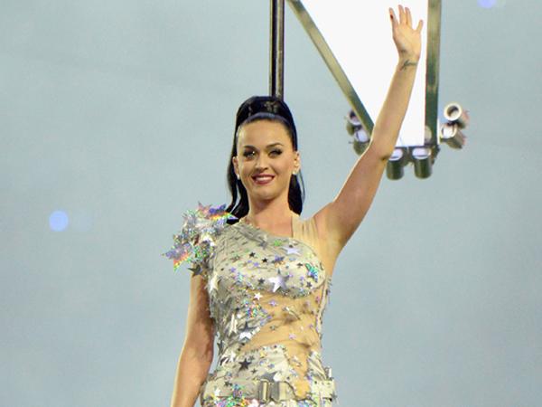 Wah, Katy Perry akan Tampilkan Musikalisasi Puisi di Grammy Awards 2015?