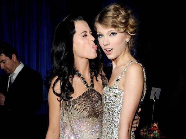 Katy Perry : Taylor Swift adalah Penyanyi yang Manis dan Baik Hati