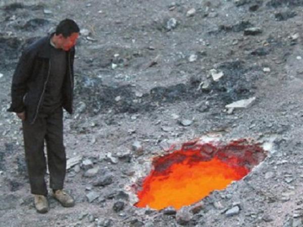 Wah, 'Lubang Neraka' Ditemukan di Cina!