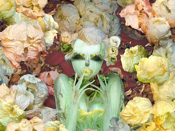 Wah, Lukisan Wanita Cantik ini Terbuat Dari Potongan Sayuran!