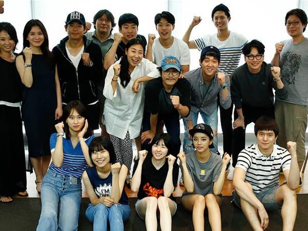 Wah, Para Pemeran dan Staf Drama 'Reply 1988' Dihadiahi Berlibur Ke Luar Negeri!