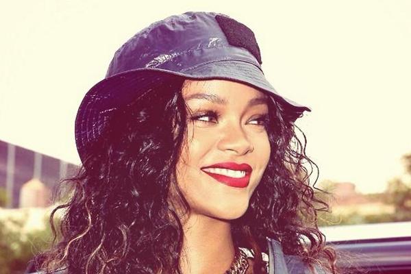 Tak Cuma Akting, Rihanna Juga Rilis Lagu Baru di Film Animasi 'Home'!