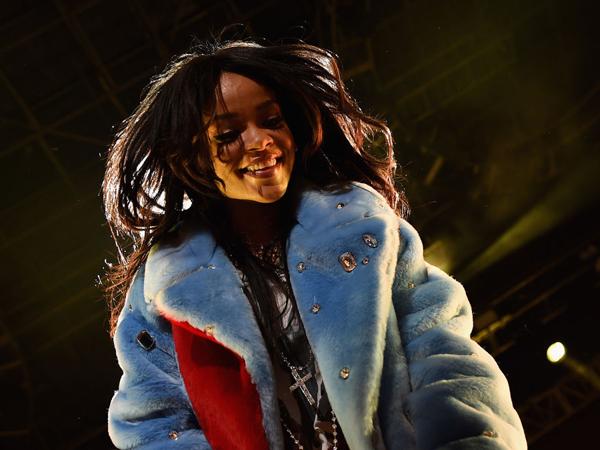 Rekaman Album Baru, Rihanna Ajak Seorang Remaja Jadi 'Produser'-nya!
