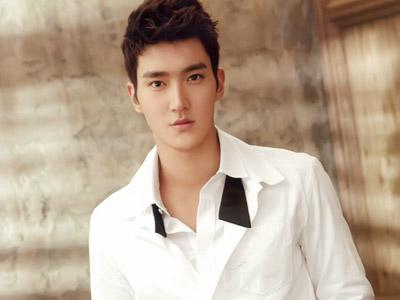 Siwon Super Junior Isyaratkan Super Show 5 di Jakarta?