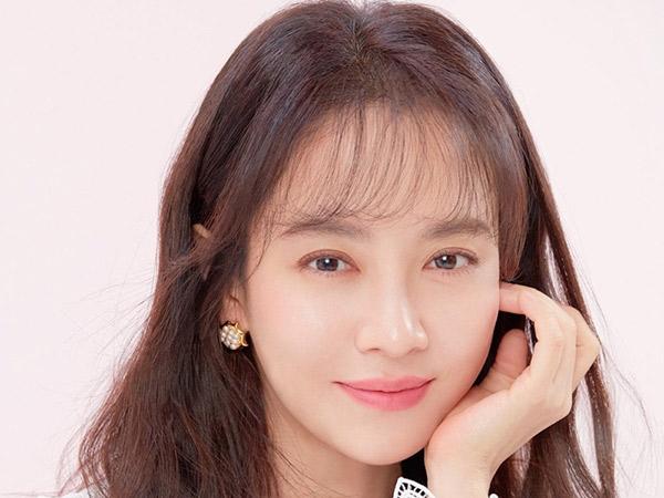 Song Ji Hyo Bagikan Pengalaman Jadi Rebutan 4 Pria Sekaligus