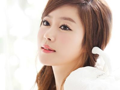 Ups, Sebulan Menikah, Lee Ji Hyun Eks Jewelry Hamil 4 Bulan!