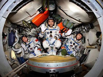 Numpang Kirim Astronot, Nasa Bayar Rp 4 Triliun