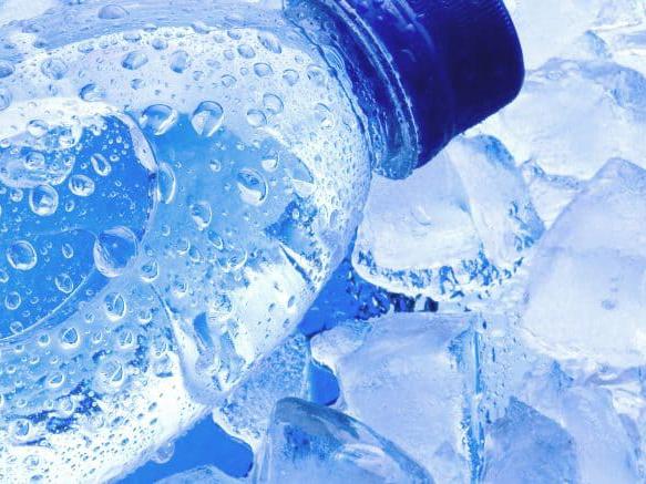 Air Dingin Dalam Kemasan Sebabkan Kanker? Ini Fakta Sebenarnya