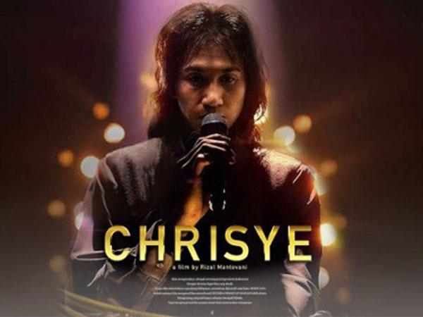Kisah Kehadiran Almarhum Chrisye Saat Proses Syuting Film 'Chrisye'