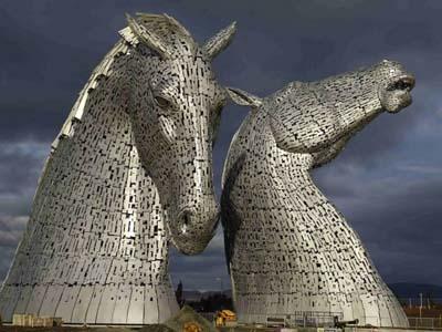 Hormati Jasa Kuda, Seniman Skotlandia Buat Karya Seni Fantastis