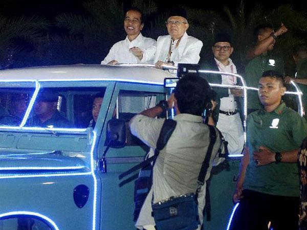 Heboh Jokowi-Ma'ruf yang Tunggangi 'Mobil Super' Saat Menuju KPU