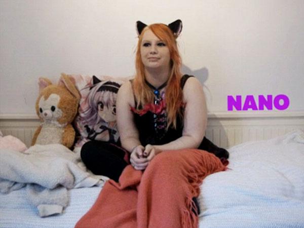 Wanita Ini Ngaku Sebagai Seekor Kucing yang Terperangkap Dalam Tubuh Manusia!