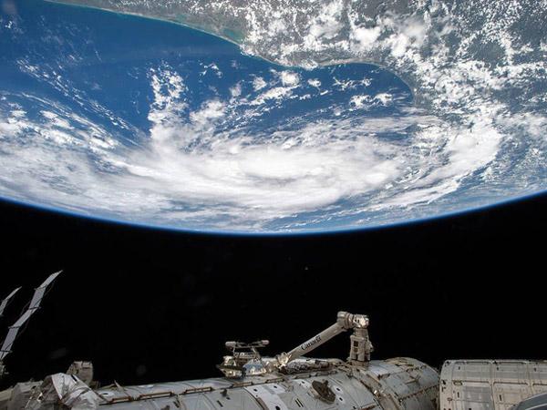 Heboh Kaum 'Flat Earth Society', Foto-foto Ini Jadi Bukti Jika Bumi Benar Bulat dan Tidak Datar?