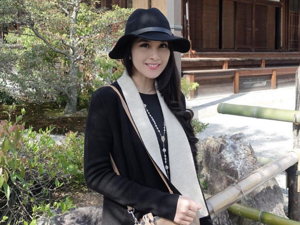 Bolak-balik Ke Jepang, Sandra Dewi Sibuk Urus Pernikahan di Disneyland