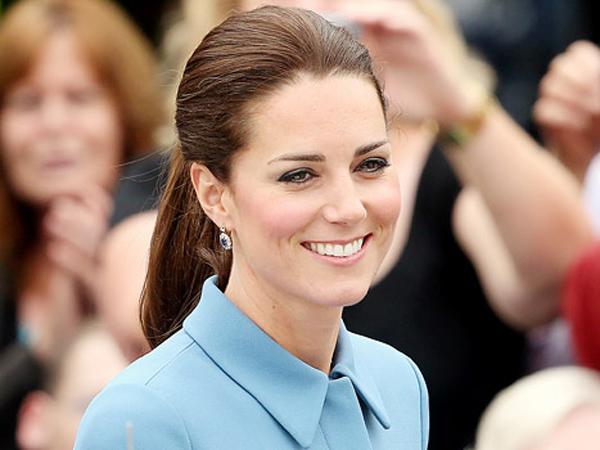 Ngefans Berat, Kate Middleton Ingin Brad Pitt Dapat Gelar Kehormatan