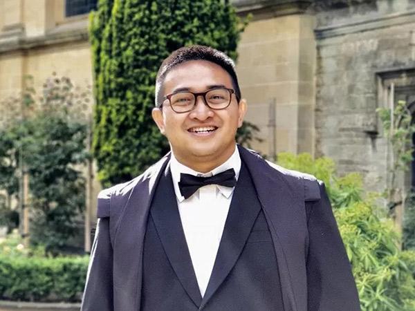 Salut! Ini Sosok Pemuda Indonesia di Balik Tim Vaksin AstraZeneca
