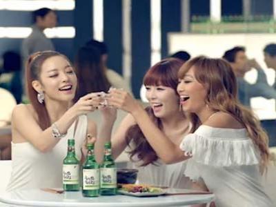 Iklan Soju Hyorin, HyunA dan Goo Hara Dicekal