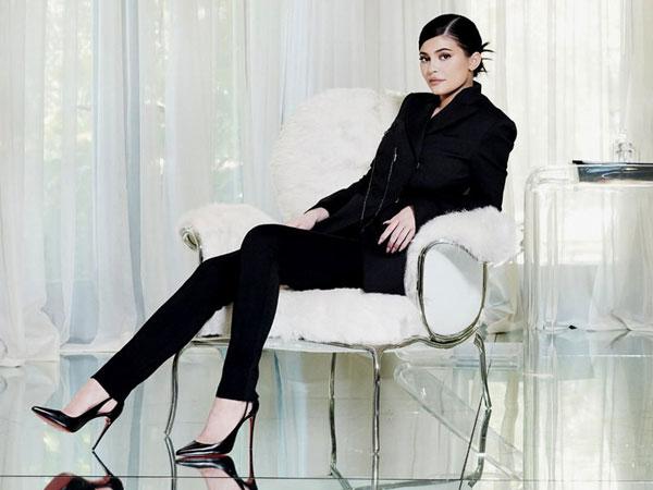 Kylie Jenner Sukses Jadi Wanita Terkaya Sekaligus Termuda di Amerika!
