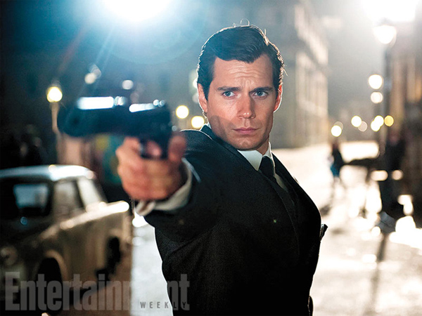 'Batman V Superman' Dikritik Tajam, Superman Pensiun dan Jadi James Bond?