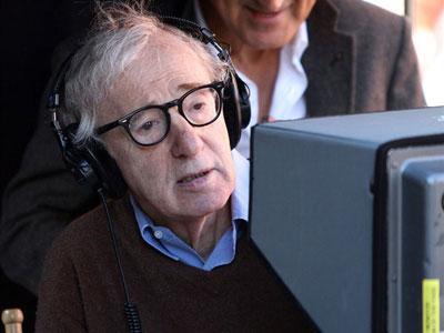 Woody Allen Akan Terima Tropi di Golden Globes 2014