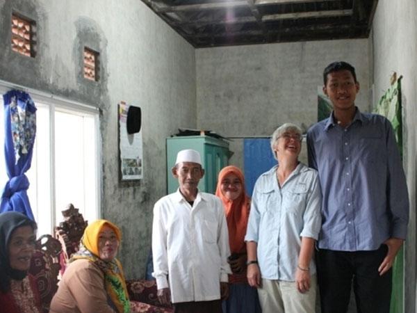 Kenalan dengan Yafi, Remaja Asal Malang yang Punya Tinggi Badan Lebih dari 2 Meter!
