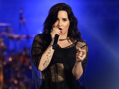 Proses Rekaman Demi Lovato Dirilis Dalam Bentuk E-Book