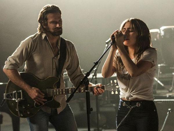 Intip Momen Bradley Cooper Bernyanyi Apik Dengan Lady Gaga di Trailer 'A Star Is Born'