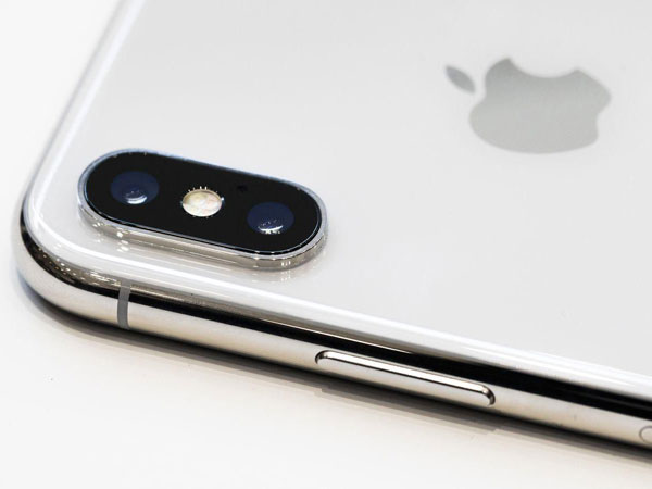 13apple-iphone.jpg