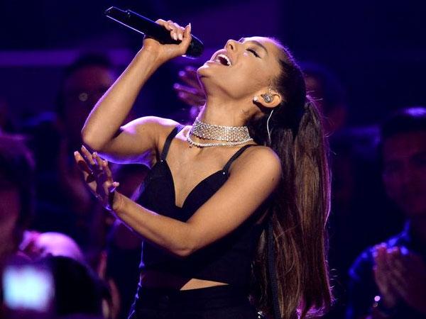 Ariana Grande Gelar Konser Amal di Manchester Pasca Teror Bom Bunuh Diri