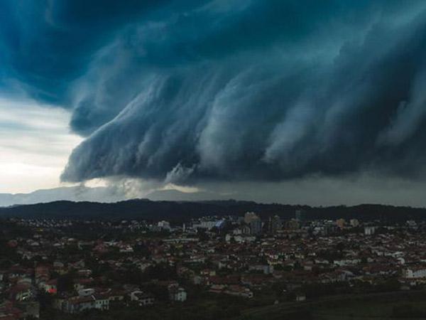 Heboh Awan Mirip Tsunami Muncul di Langit Aceh, Ini Penjelasan BMKG