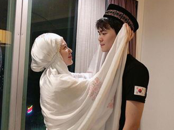 Adik Jadi Mualaf, Ayana Moon: Hubungan Kami Jadi Lebih Baik