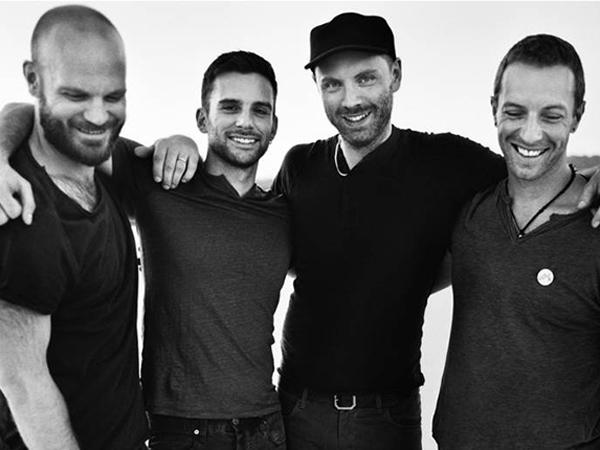 Wah, Seorang Penggemar Temukan Kertas Lirik Rahasia Coldplay!