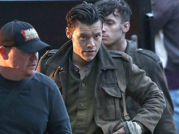 Alasan Film Debut Harry Styles Berada di Puncak Pembicaraan Media Sosial
