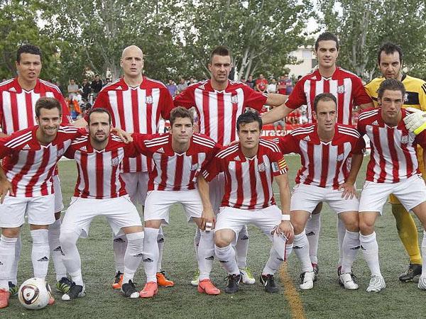 Hampir Bangkrut, Para Pemain Klub Sepakbola Ini Rela Patungan Bayar Wasit