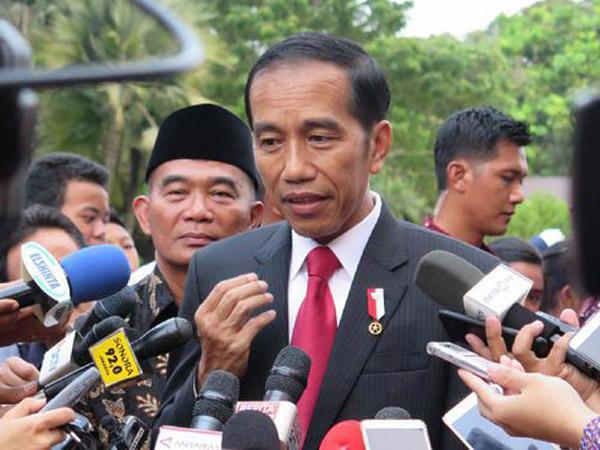 Makna Tersembunyi Di Balik Kata-Kata 'Gebuk PKI' Milik Jokowi