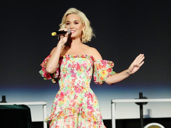 Katy Perry Kembali Dituduh Lakukan Pelecehan Seksual, Kali Ini Korbannya Perempuan