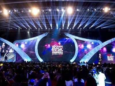 MAMA 2013, Kesuksesan Kolaborasi Artis Kpop dan Musisi Dunia