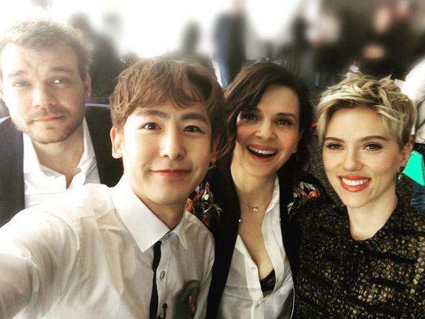 Penuh Canda Hingga Bilang 'Saranghaeyo', Intip Serunya Nichkhun 2PM Wawancarai Scarlett Johansson!