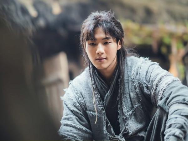 Ji Soo Kembali Jalani Kisah Cinta Menyedihkan di Drama 'River Where the Moon Rises'