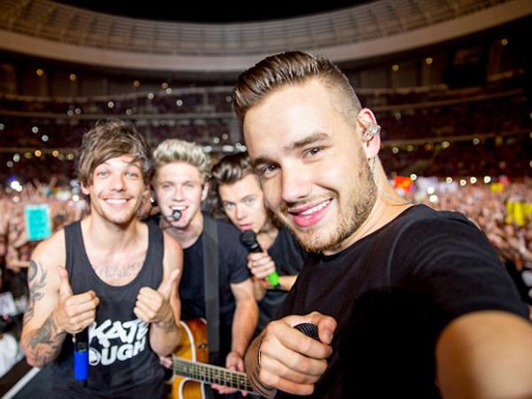 Jeda Tur Dunia, Ini Aktivitas Seru One Direction Bareng Penggemar dan Keluarga!