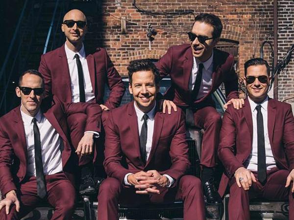 Usai Konser Kelima di Jakarta, Simple Plan Taburkan Pujian untuk Fans Indonesia