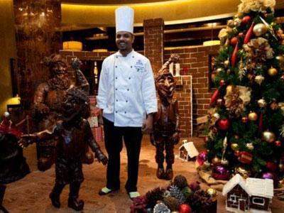 Wow, Hotel Di Amerika Bikin Patung Sinterklas dari Cokelat